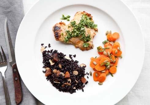 yogurt-chicken-black-rice-apricots-640